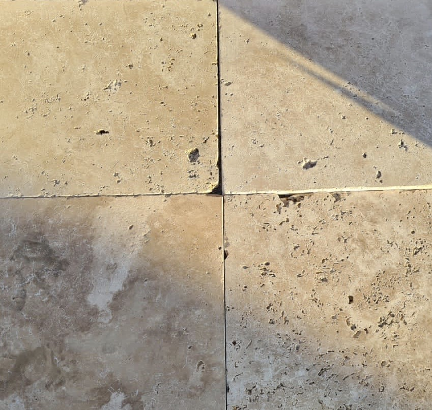 60x60x1,5 Travertin Très Vieilli